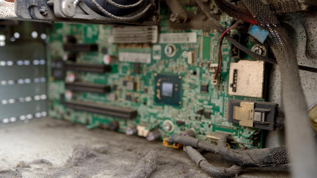 اصول نگهداری از تجهیزات برقی و الکترونیکی تلویزیون